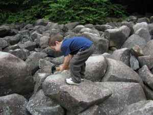 Image: Ringing Rocks, Wikipedia Commons.